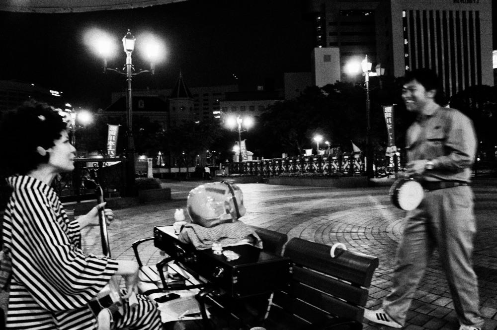 Monkichi musicienne de rue